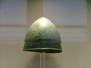 NAMA_Greek_helmet_of_Pilos_type