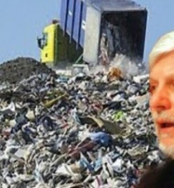 Δήμαρχοι ενάντια στον Τατούλη για τα σκουπίδια
