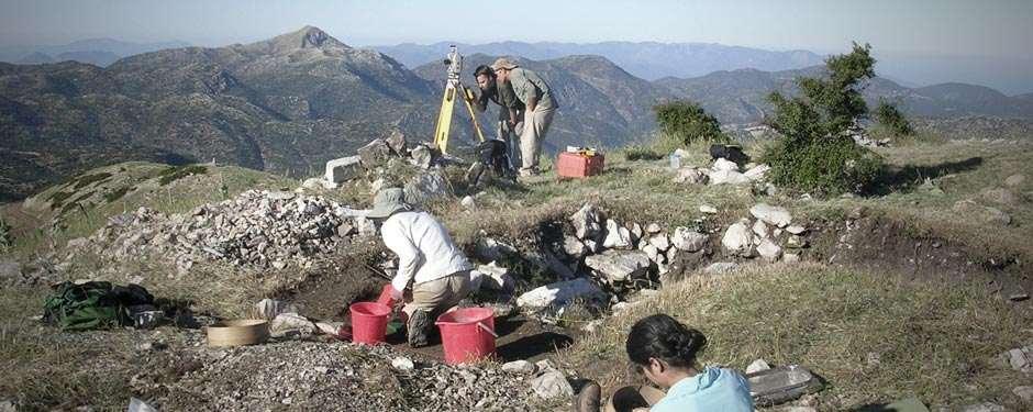 Λύκαιο Όρος: Βρέθηκε ανθρώπινη ταφή στο μέσον του βωμού