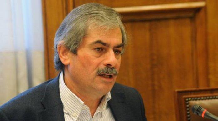 Πετράκος: Η πρόταση μας είναι πρόταση υπεράσπισης της Δημοκρατίας